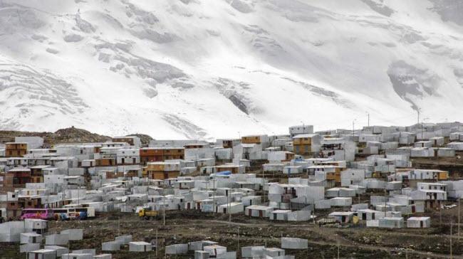 """Cuộc sống """"nghèo không thể tả"""" ở thành phố cao nhất thế giới - 7"""