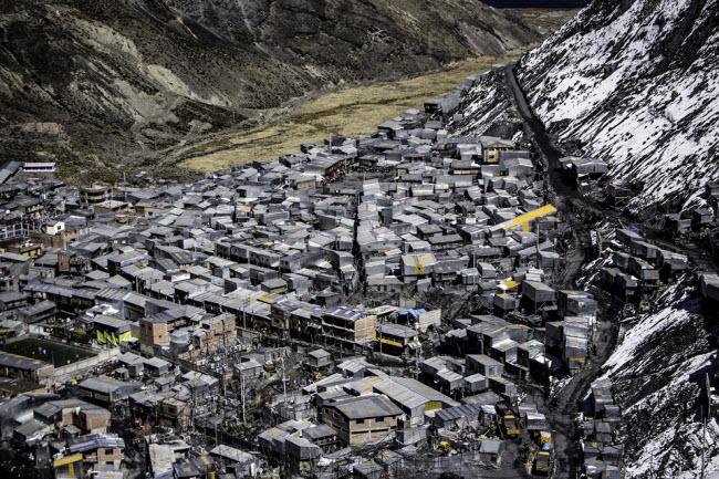 """Cuộc sống """"nghèo không thể tả"""" ở thành phố cao nhất thế giới - 8"""