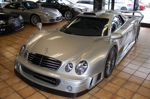 """""""Đồ cổ"""" Mercedes CLK-GTR có giá tận 61 tỷ đồng - 1"""