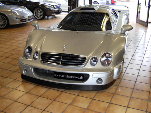 """""""Đồ cổ"""" Mercedes CLK-GTR có giá tận 61 tỷ đồng - 5"""