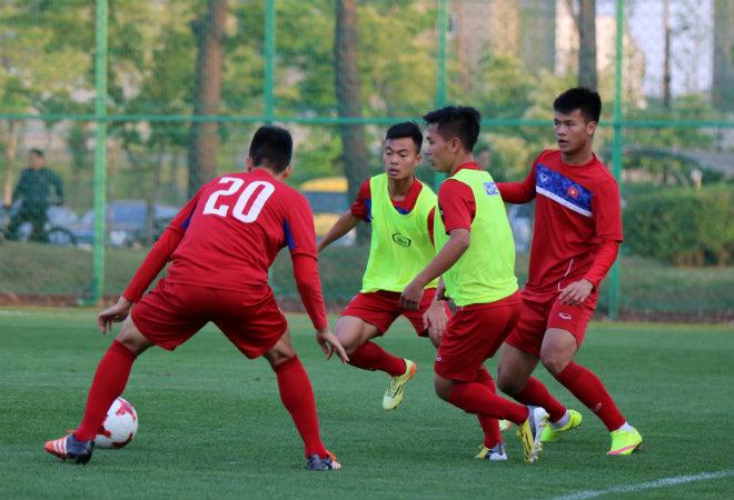 """U20 Việt Nam: """"Đàn em"""" Công Phượng băng chân tập cực sung - 7"""
