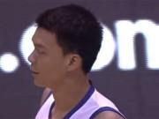 Thể thao - Đấu sân khách, tuyển thủ Việt Nam bị khán giả làm trò hề