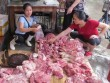 Thông tin mới vụ sạp thịt lợn giá rẻ bị hắt dầu luyn