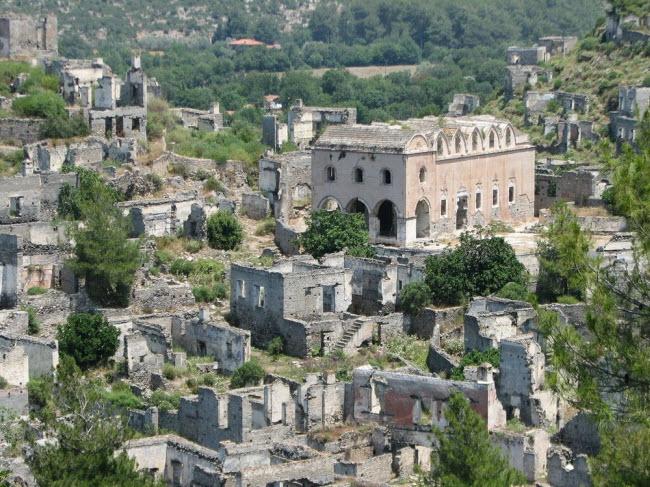"""Câu chuyện bí mật về thị trấn """"ma"""" hoang phế ở Thổ Nhĩ kỳ - 2"""
