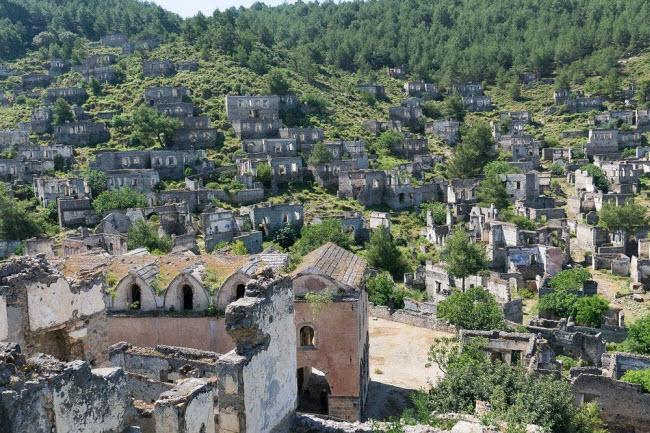 """Câu chuyện bí mật về thị trấn """"ma"""" hoang phế ở Thổ Nhĩ kỳ - 9"""