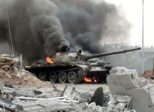 Chiến đấu cơ Mỹ bất ngờ dội bom đoàn xe quân đội Syria - 2