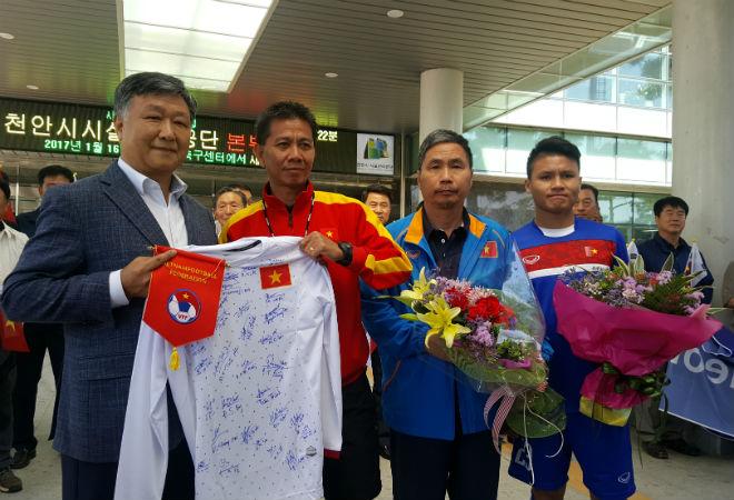 """U20 Việt Nam được Xuân Trường cổ vũ, thấy New Zealand """"thường thôi"""" - 3"""