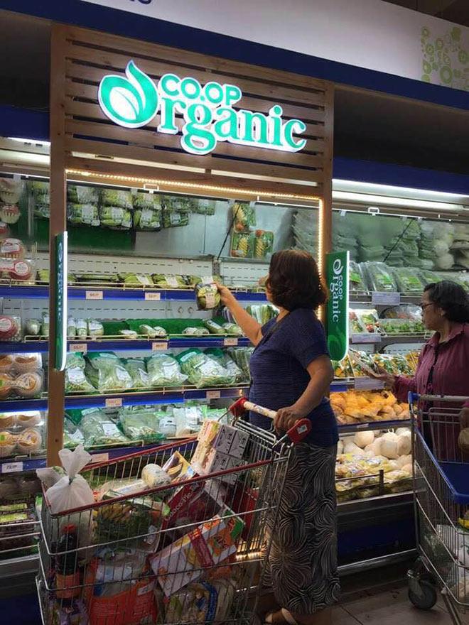 """Hiện tượng sản phẩm organic """"xịn"""" cháy hàng ở Co.opmart - 1"""