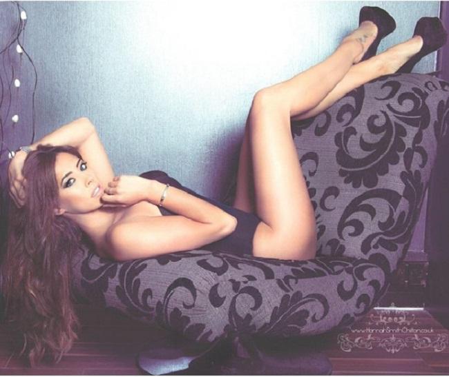 """Người mẫu Anh được biết đến là cựu Wag nóng bỏng của bóng đá quốc gia. Cô từng có thời gian qua lại với chân sút  """" hư hỏng """"  Ashley Cole của Chelsea sau thời gian anh chàng ly dị vợ vì thói trăng hoa."""