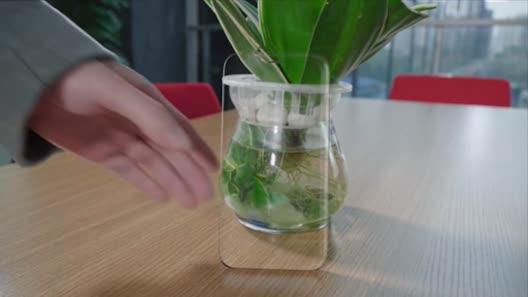 Video xem trước iPhone 8, cảm ứng cạnh viền
