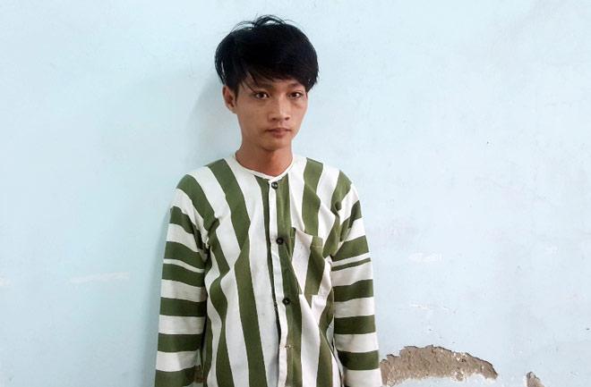 Camera ghi lại hình ảnh cô gái bị giật dây chuyền ở Sài Gòn - 4