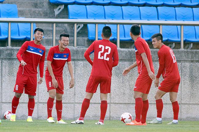 Hot boy U20 VN khiến HLV Hoàng Anh Tuấn âu lo - 2