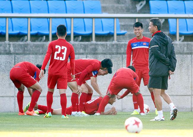 Hot boy U20 VN khiến HLV Hoàng Anh Tuấn âu lo - 5