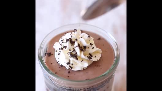 Làm bánh kem chocolate ngon tuyệt không cần lò nướng