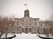 Những trường đại học đẹp nhất xứ sở lá phong