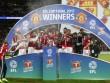 MU tệ nhất vẫn sắp ăn 3 cúp: Chất đặc biệt của Mourinho