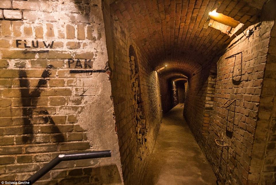 Choáng ngợp thành phố bí mật dưới lòng đất của trùm phát xít Hilter - 3