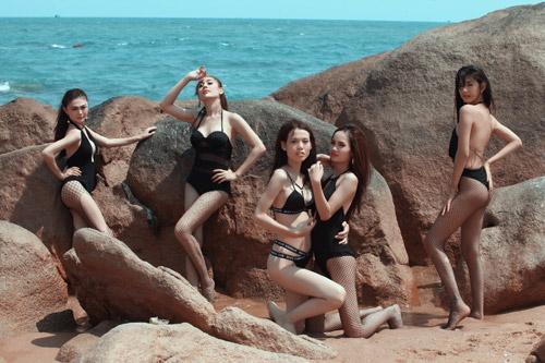Kệ anti-fan, Lâm Khánh Chi khoe ảnh bikini bên dàn chân dài chuyển giới - 7