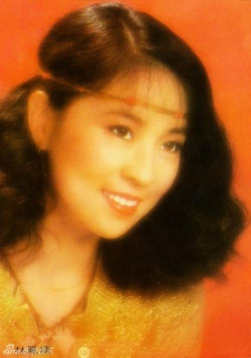 """Cô vũ nữ trót có bầu với """"vua kungfu"""" và đời thực sóng gió ít người biết - 3"""