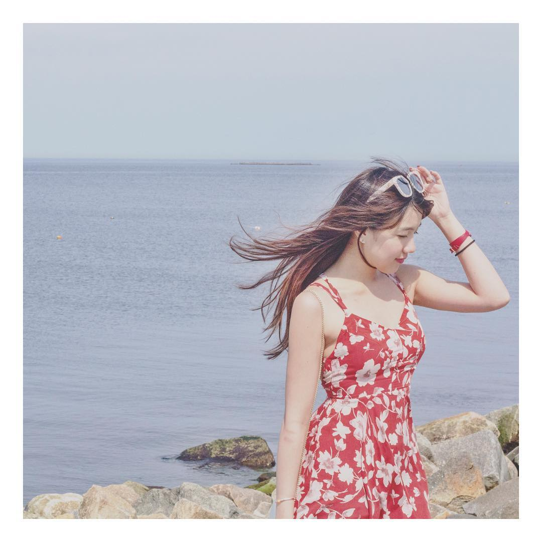 Chia tay người yêu, hot girl Mie luôn mặc áo trễ nải ra đường - 12