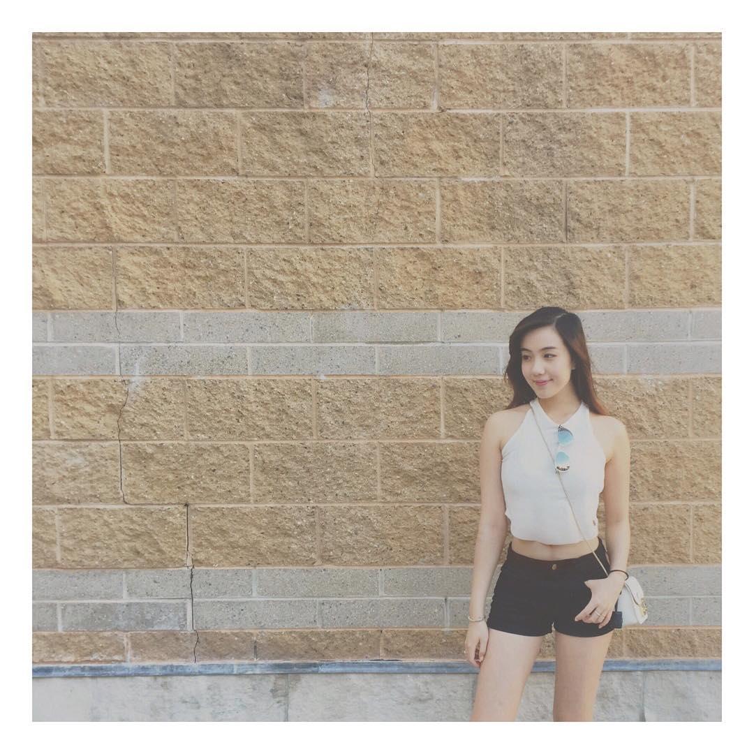 Chia tay người yêu, hot girl Mie luôn mặc áo trễ nải ra đường - 15