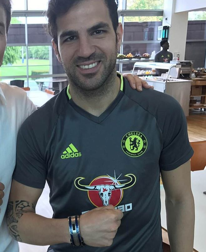 Mừng vô địch, trung vệ Chelsea chi 30 tỷ mua vòng tay tặng anh em - 4