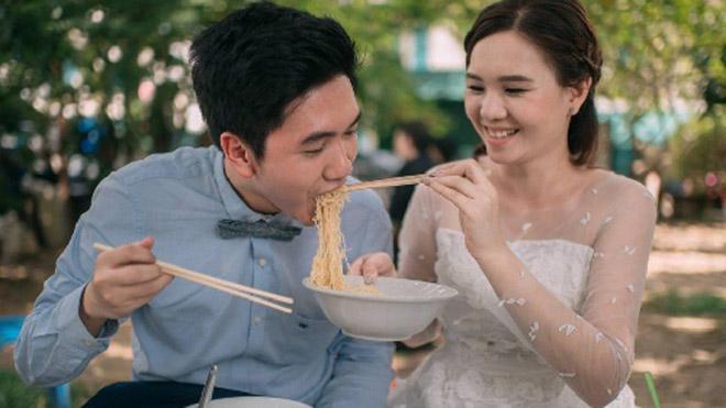 Cặp đôi Thái gây sốt vì chụp ảnh cưới với muôn kiểu món ăn - 2