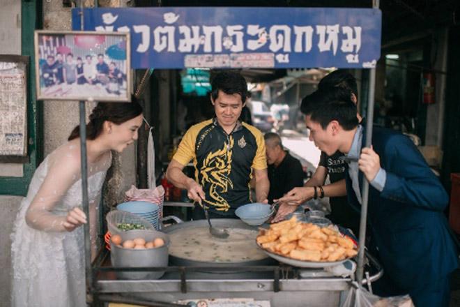 Cặp đôi Thái gây sốt vì chụp ảnh cưới với muôn kiểu món ăn - 9