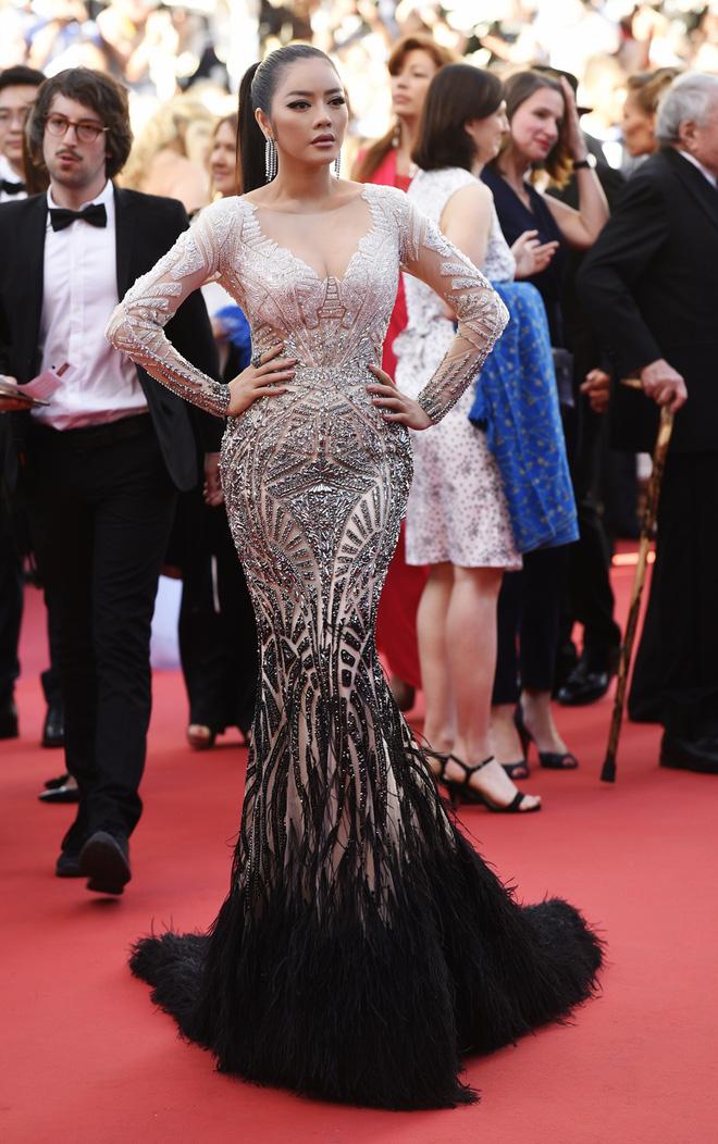 Lý Nhã Kỳ đẹp như nữ hoàng Ai Cập trên thảm đỏ Cannes - 4