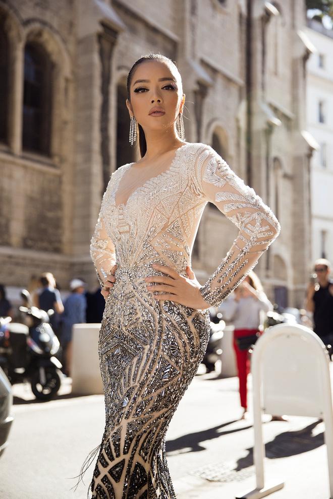 Lý Nhã Kỳ đẹp như nữ hoàng Ai Cập trên thảm đỏ Cannes - 3