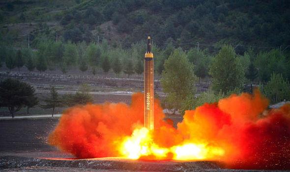 Triều Tiên lại phóng tên lửa - 1