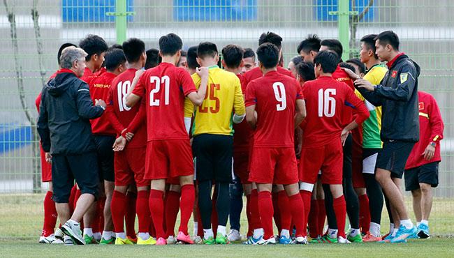 """Đấu New Zealand, U20 Việt Nam bất ngờ nhận """"liều doping"""" - 6"""