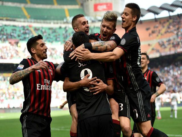 AC Milan - Bologna: San Siro mở hội trong hiệp 2