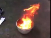 Tin tức trong ngày - Nước giếng múc lên đốt cháy ngùn ngụt