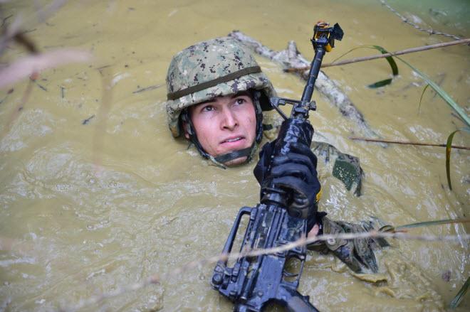 Hình ảnh ấn tượng nhất của quân đội Mỹ - 2