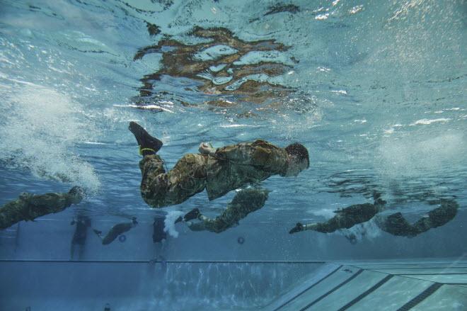 Hình ảnh ấn tượng nhất của quân đội Mỹ - 4