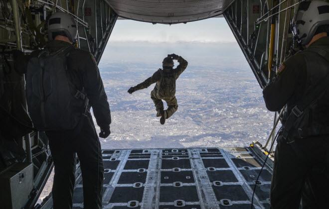 Hình ảnh ấn tượng nhất của quân đội Mỹ - 9