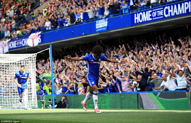 """Chelsea: Conte """"tăng động"""", Terry nghẹn ngào ngày nhận cúp - 3"""