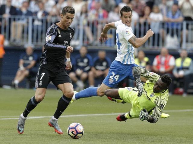 Malaga - Real Madrid: Song tấu tỏa sáng, bay lên ngai vàng