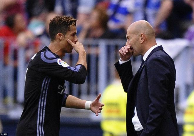 "Real ""lên đỉnh"" Liga sau nửa thập kỉ: Ronaldo, Zidane vỡ òa - 2"