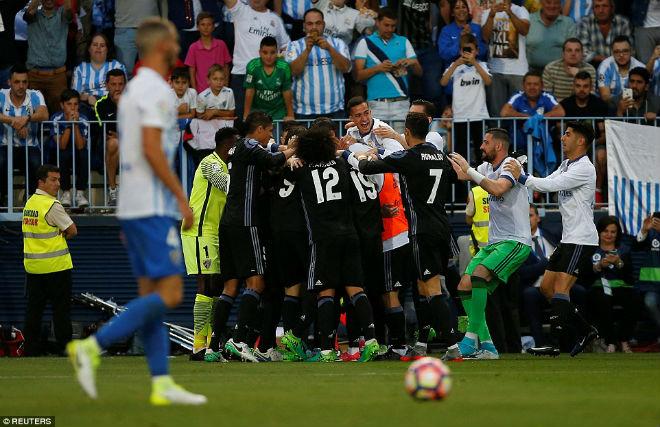 "Real ""lên đỉnh"" Liga sau nửa thập kỉ: Ronaldo, Zidane vỡ òa - 8"