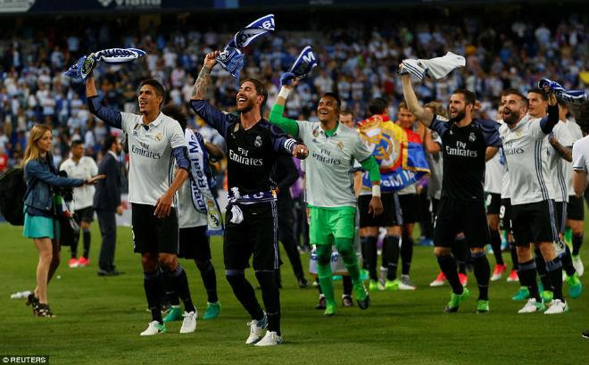 "Real ""lên đỉnh"" Liga sau nửa thập kỉ: Ronaldo, Zidane vỡ òa - 14"
