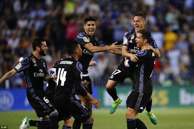 Ronaldo 25 bàn/mùa: Hy sinh cái TÔI để ẵm Cúp và Bóng vàng - 2