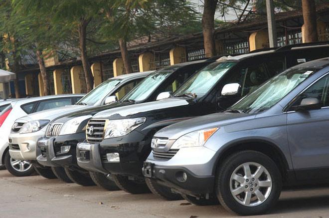Lãnh đạo đi họp, công tác được Bộ Tài chính khoán xe 13.000 đồng/km - 1