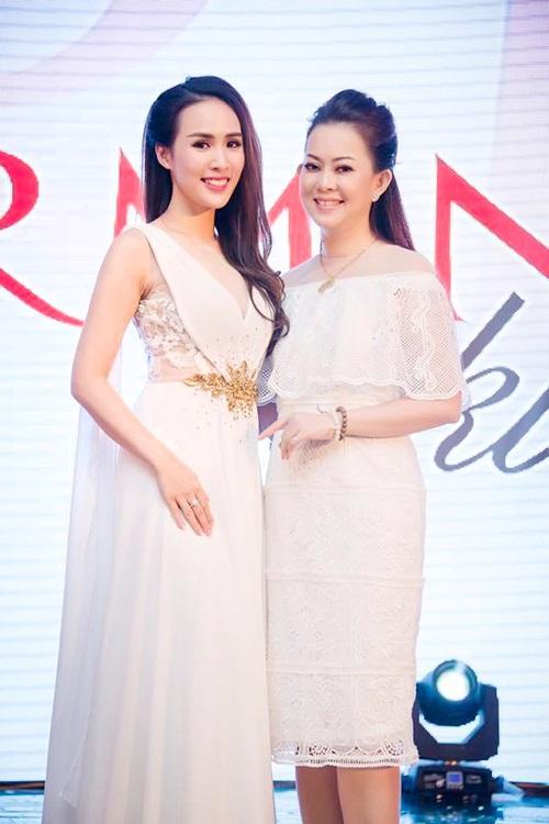 MC Bảo Anh tự tin khoe eo, đọ dáng với Thu Minh, Ngọc Trinh - 9