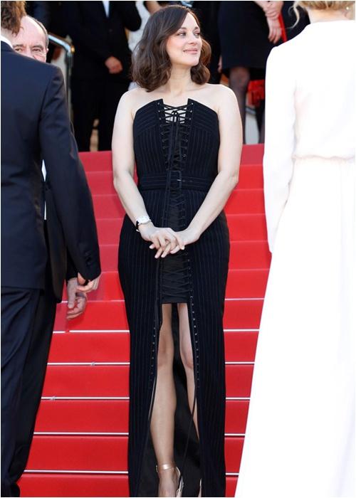 Người tình tin đồn của Brad Pitt bị Dior sa thải vì già và mập? - 2