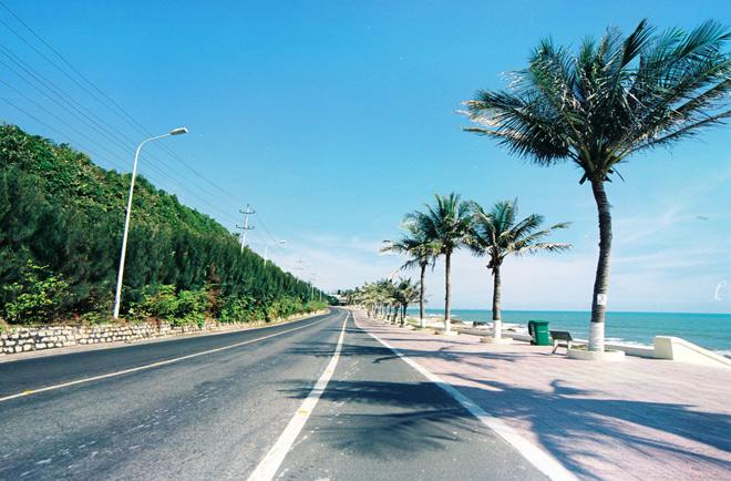 Phượt trên 5 cung đường ven biển đẹp mê ly ở Việt Nam - 4