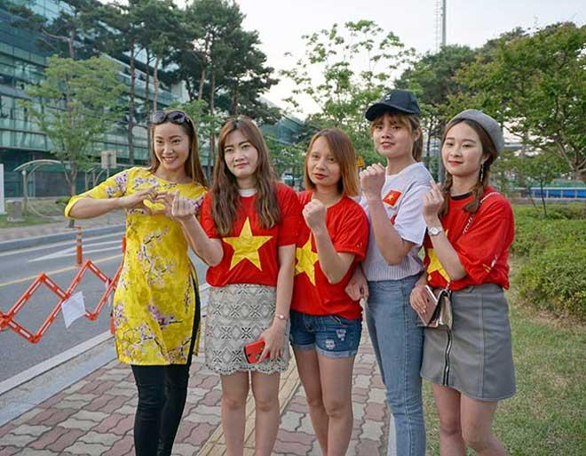"""""""Tiếp lửa"""" U20 Việt Nam: Vạn anh em ở Hàn Quốc phủ đỏ sân Cheonan - 5"""