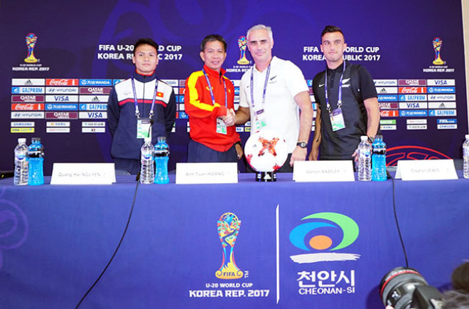 """TRỰC TIẾP U20 Việt Nam - U20 New Zealand: Thách thức """"người nhện"""" Woud - 19"""