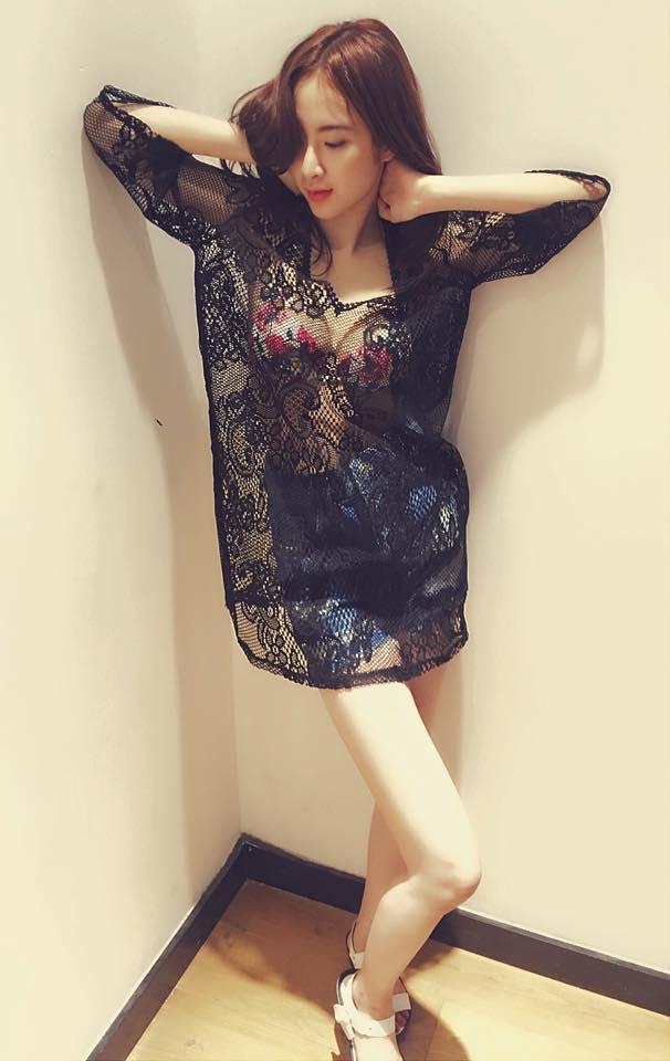 Angela Phương Trinh tự tin dạo phố với váy ngủ cũn cỡn - 5